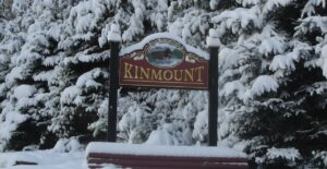 Welcome to Kinmount sign